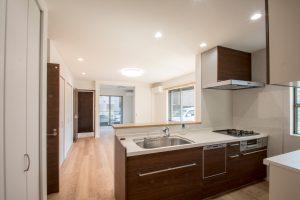 たっぷり収納ができる完全分離型2世帯住宅