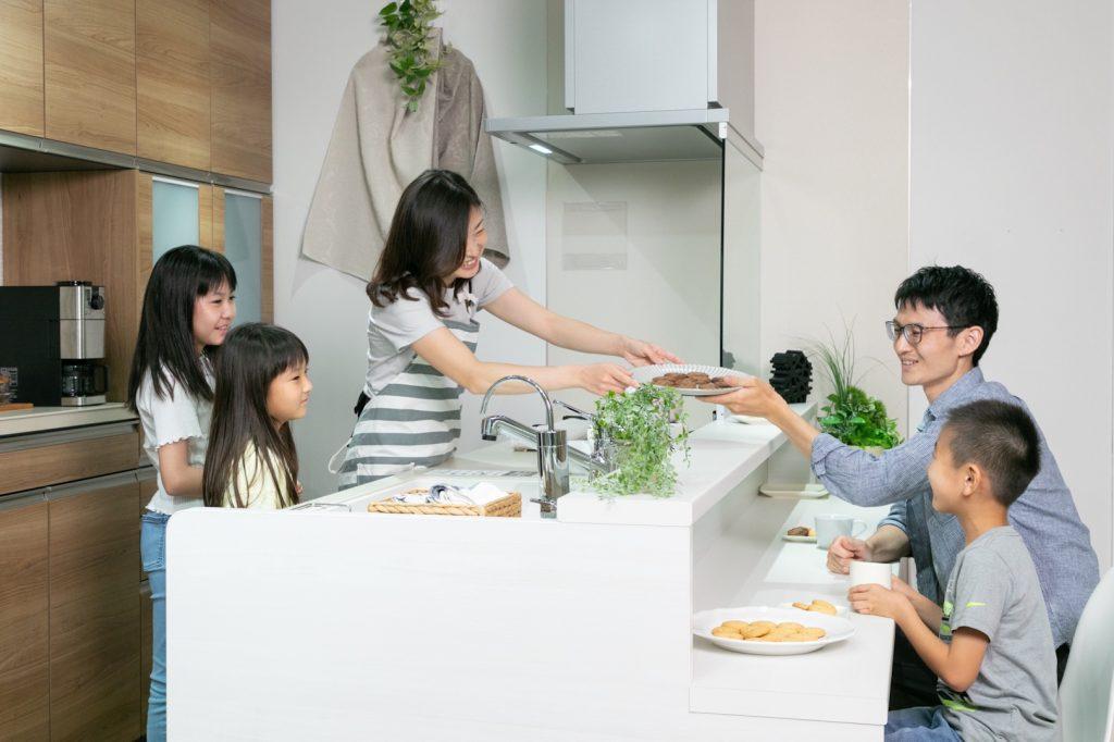 【キッチンカウンターの魅力 from 「Cococi+style relax natural」】